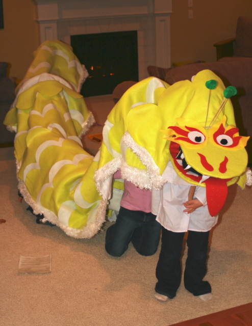 web-kids-dragon-dance.jpg